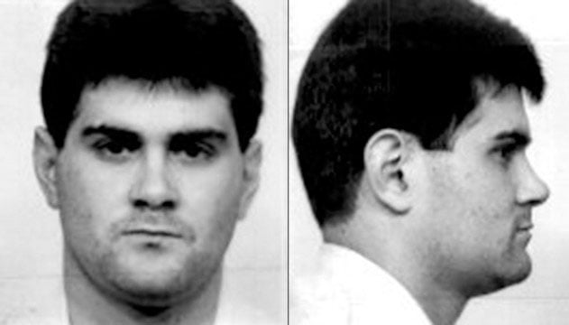 A mug shot of Cameron Todd Willingham. There are two photo side-by-side. One shows Willingham looking towards the camera, the other shows Willingham's side profile.